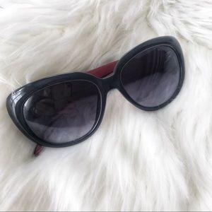 RARE Tommy Hilfiger black frame sunglasses!